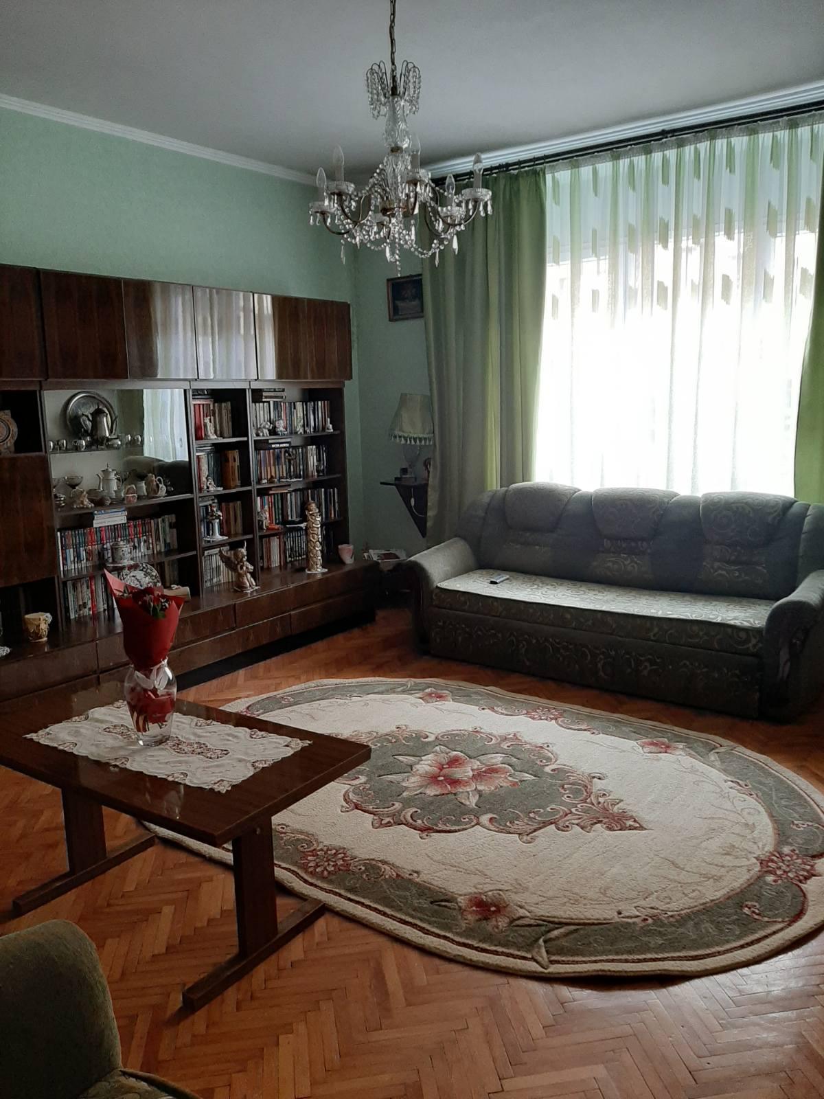 Продаж квартири  АО-0015